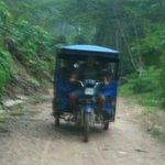 Moto-taxi. Puerto Inca-Quimpichiari road